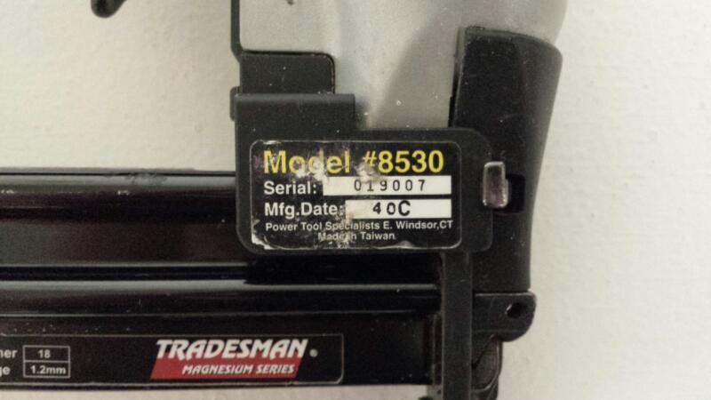 TRADESMAN MAGNESIUM SERIES 8530 18ga 1/4 Brad Nailer