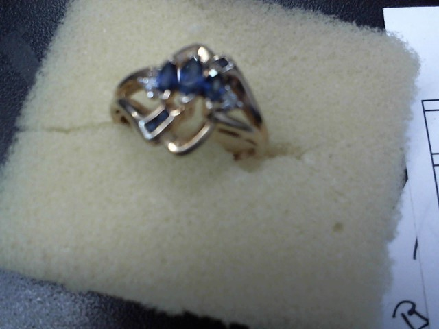 Blue Stone Lady's Stone Ring 10K Yellow Gold 2.4g