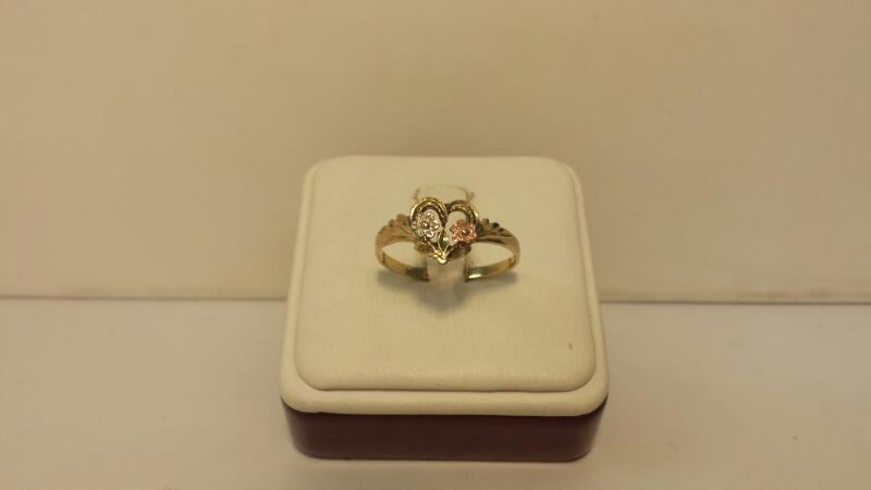 10k Yellow Gold Heart and Flower Ring 1dwt - Size 9