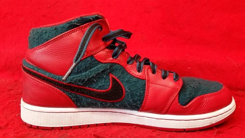 Men's Nike Air Jordan 1 Mid Basketball Shoes -Size 11-1/2 633206-608