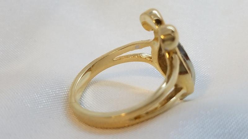 Lady's Diamond Fashion Ring 16 Diamonds .32 Carat T.W. 14K Yellow Gold 4.5g
