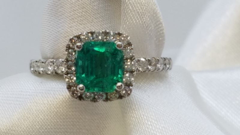 Emerald Lady's Stone & Diamond Ring 30 Diamonds .30 Carat T.W. 14K White Gold