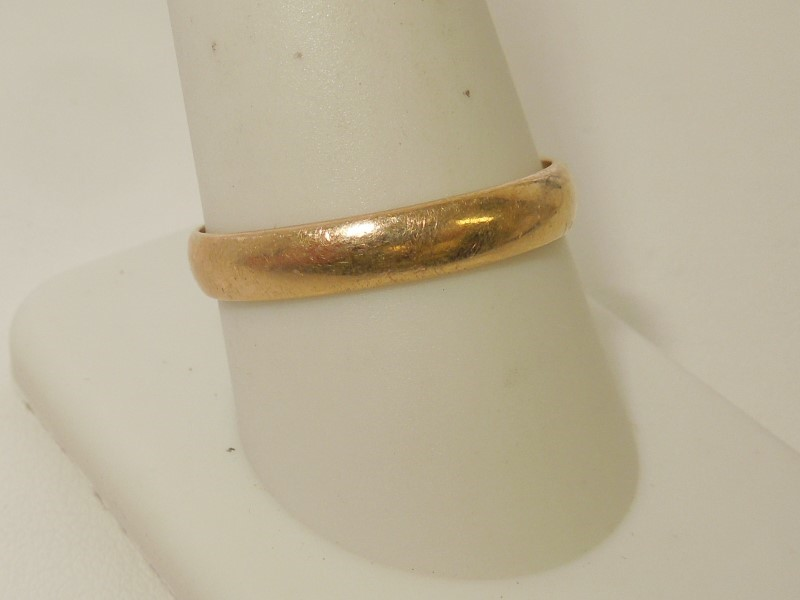 Gent's Gold Wedding Band 10K Yellow Gold 2.5g Size:10.5