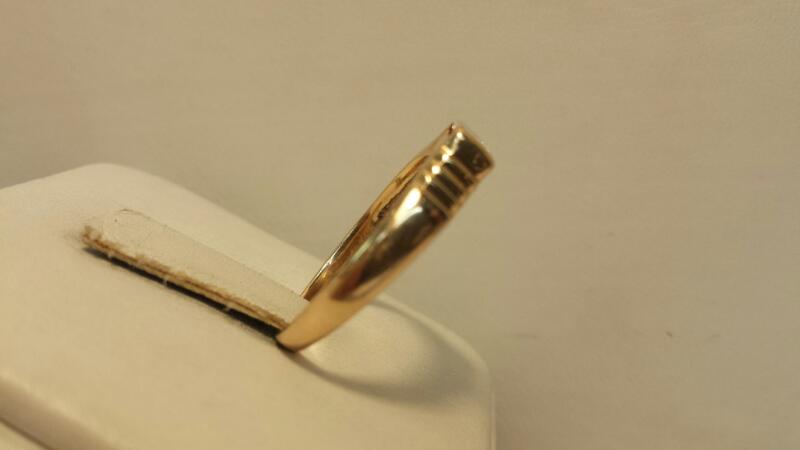 14k Yellow Gold Ring with 1 Emerald Cut Diamond at .57ctw - 1.8dwt - Size 9