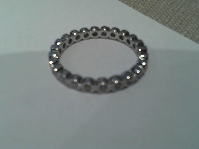 Lady's Gold Ring 18K White Gold 2.4g