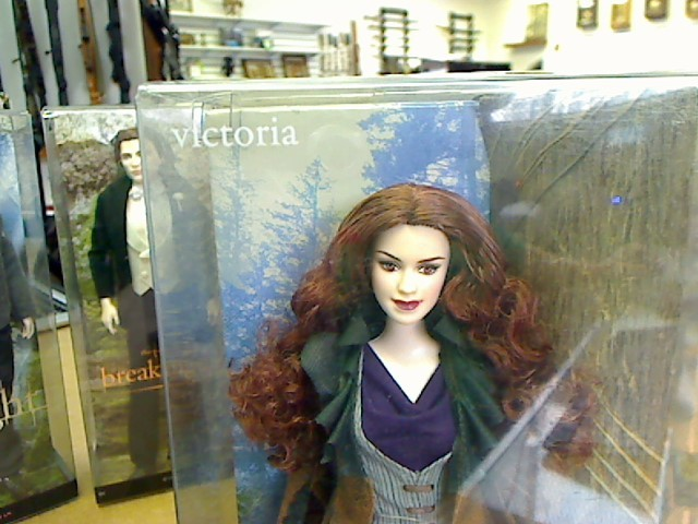 BARBIE Doll TWILIGHT VICTORIA