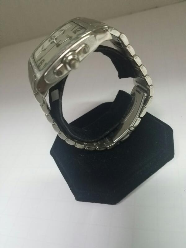 UNLISTED 377 WATCH    SILVER