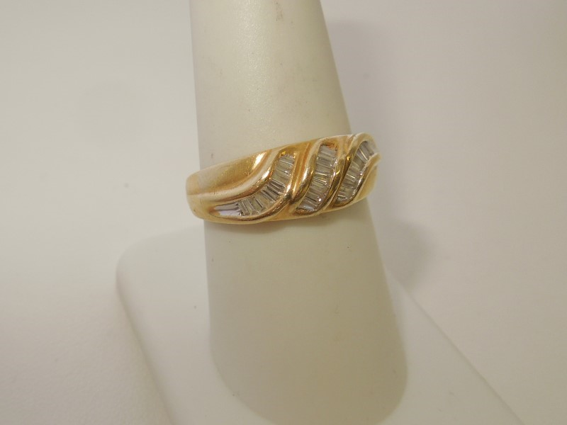 Lady's Diamond Fashion Ring 24 Diamonds .72 Carat T.W. 14K Yellow Gold 4.1g