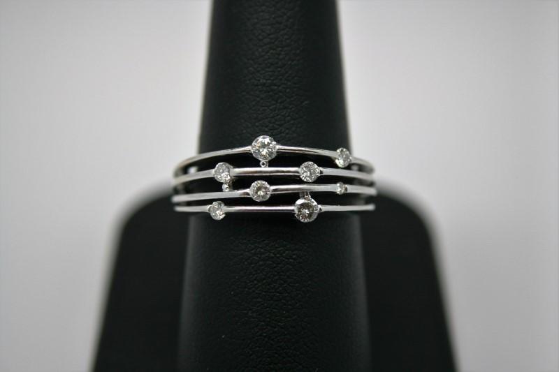 LADY'S FASHION DIAMOND RING 10K WHITE GOLD