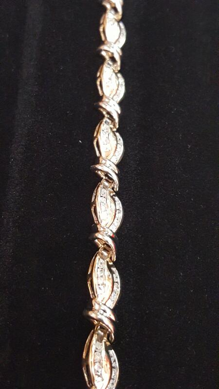 Gold-Diamond Bracelet 84 Diamonds .84 Carat T.W. 10K 2 Tone Gold 5.4dwt