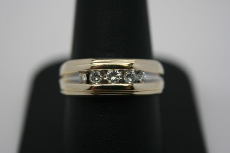 GENT'S DIAMOND BAND 14K YELLOW GOLD