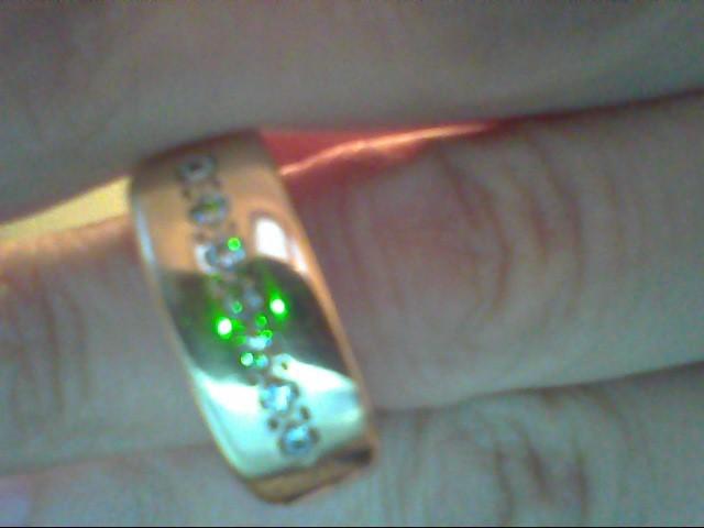 Gent's Gold-Diamond Wedding Band 7 Diamonds .14 Carat T.W. 14K Yellow Gold 5.8g