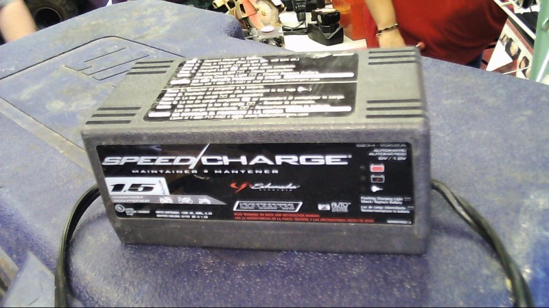 SCHUMACHER Battery/Charger SEM-1562A SPEED CHARGER
