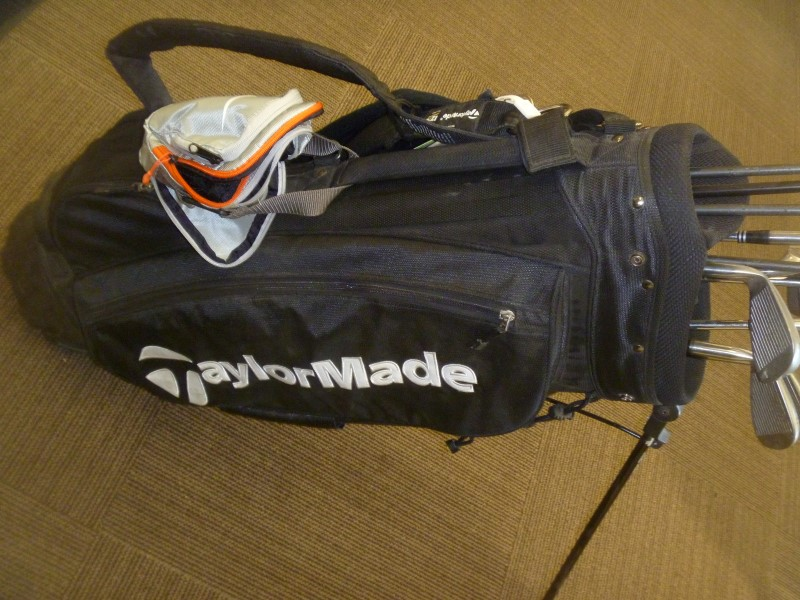 TAYLORMADE COMPLETE GOLF CLUB SET R540