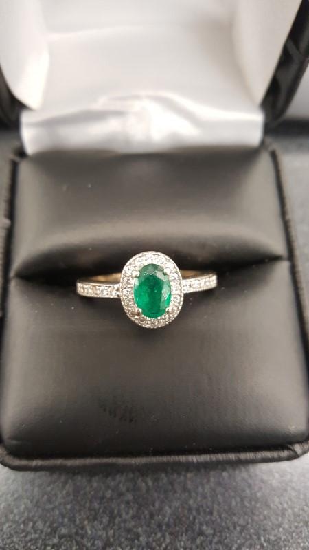 Synthetic Emerald Lady's Stone & Diamond Ring 30 Diamonds .60 Carat T.W.