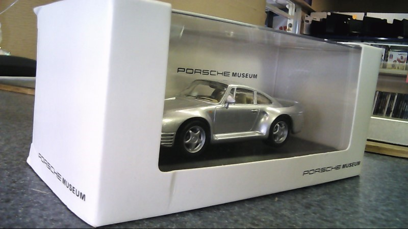 PORSCHE MUSEUM 959 1:43 scale model new in box