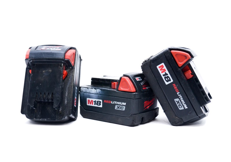 Milwaukee M18 Li-Ion Charger 48-59-1801 and Three 18V Batteries>