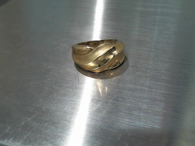 Lady's Gold Ring 10K Yellow Gold 4.3g