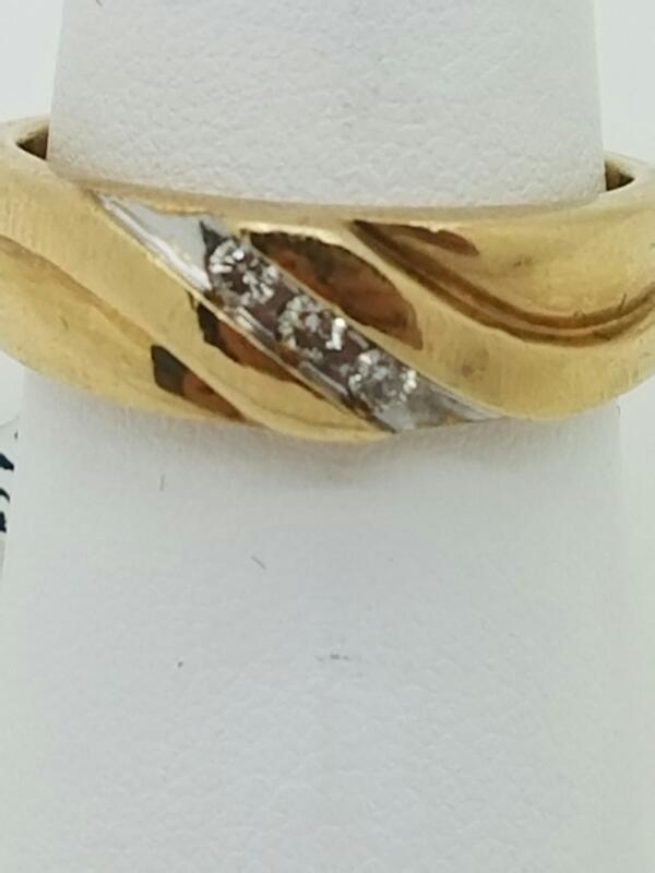 DIAMOND Lady's Diamond Wedding Band 3 Diamonds .03 Carat T.W. 10K Yellow Gold