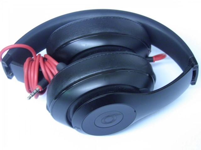 BEATS AUDIO Headphones BY DR DRE STUDIO B0500