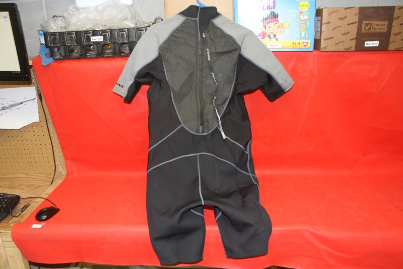 STEARNS WETSUIT SHORTY XL