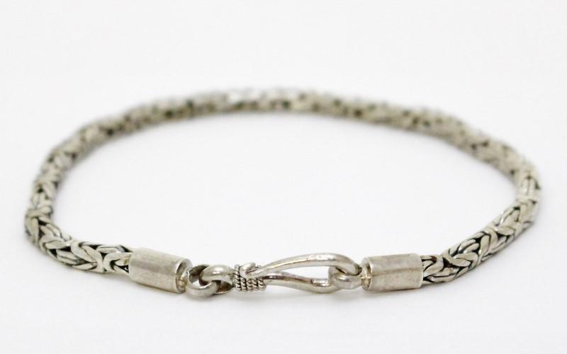 "8"" Sterling Silver Thin Byzantine Link Bracelet w/ Hook Closure"