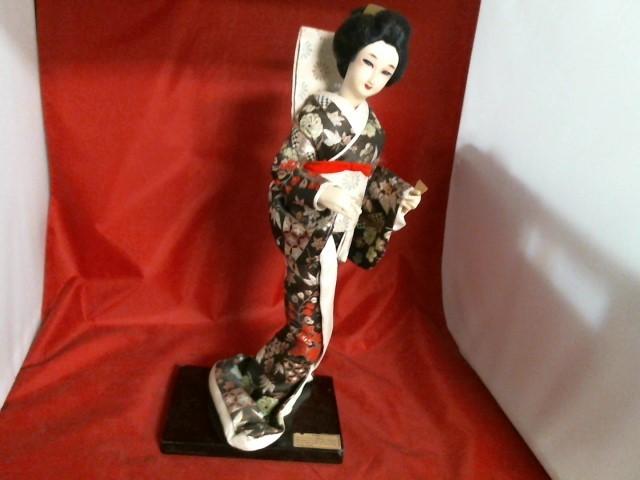 NISHI DOLL & CO Collectible Figurine GEISHA