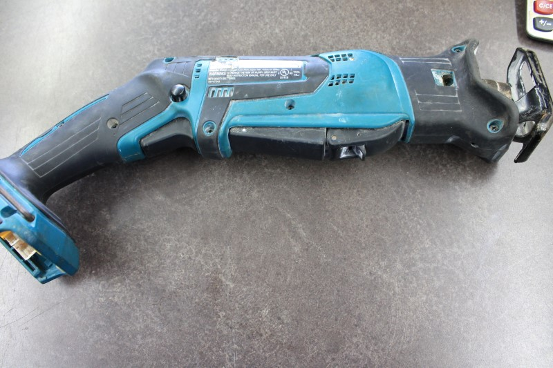 MAKITA Reciprocating Saw XRJ01