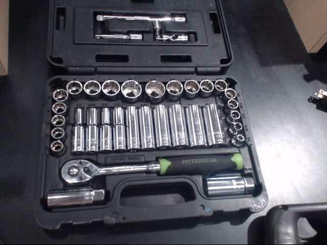 PITTSBURGH AUTOMOTIVE Sockets/Ratchet SOCKET SET