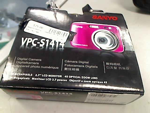 SANYO Digital Camera VPC-S1414P