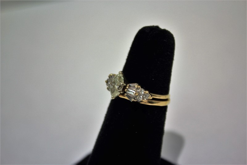 Lady's Diamond Fashion Ring 13 Diamonds 1.70 Carat T.W. 14K Yellow Gold 4.8g