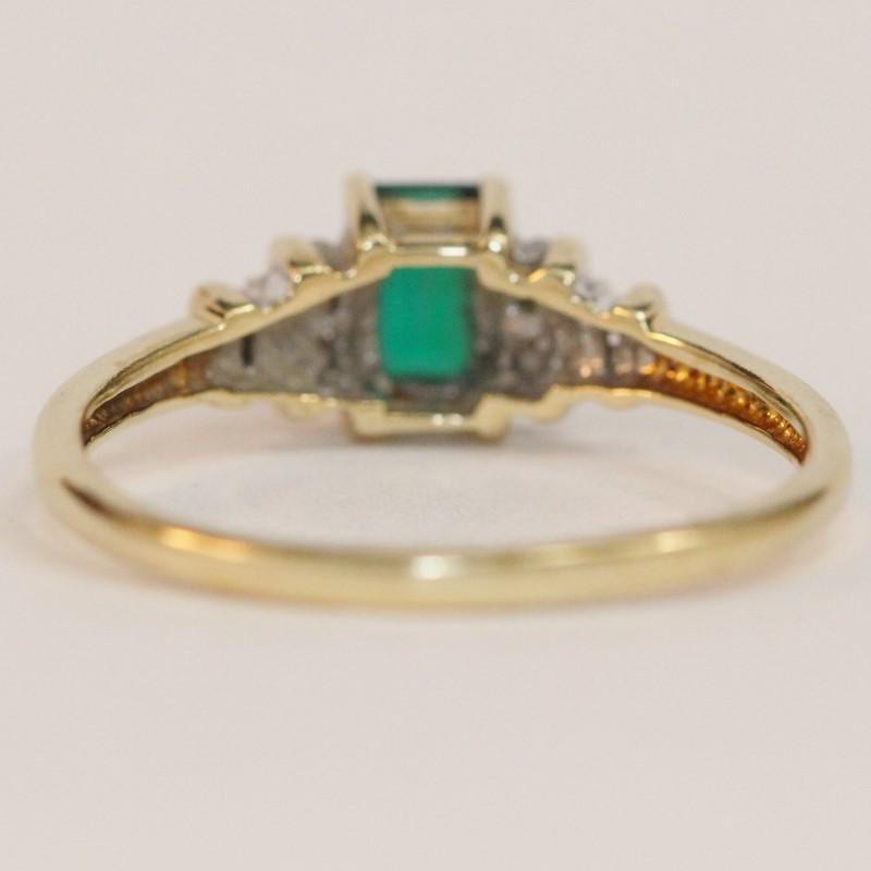 10K Yellow Gold 4 Prong Set Emerald & Diamond Engagemet Ring Size 8.75