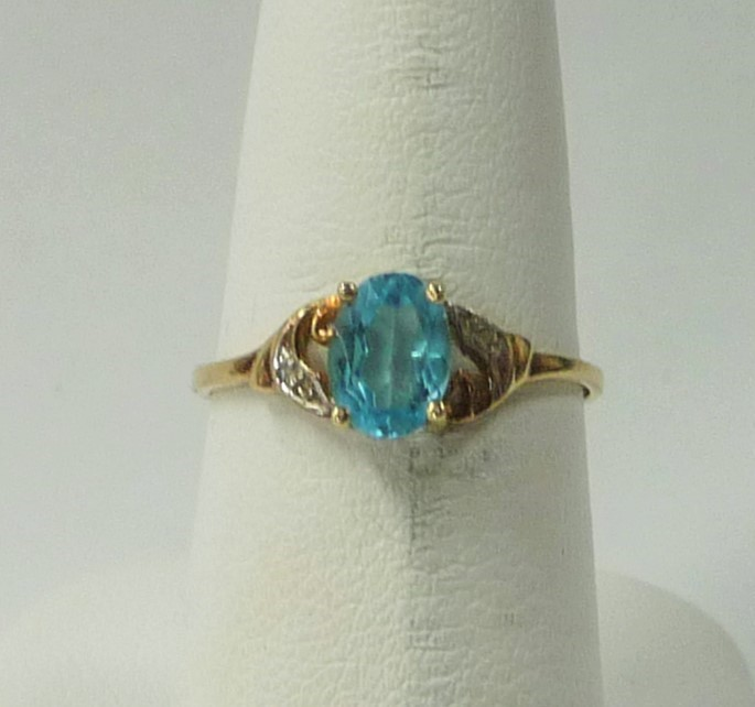 Synthetic Aquamarine Lady's Stone Ring 10K Yellow Gold 0.96dwt