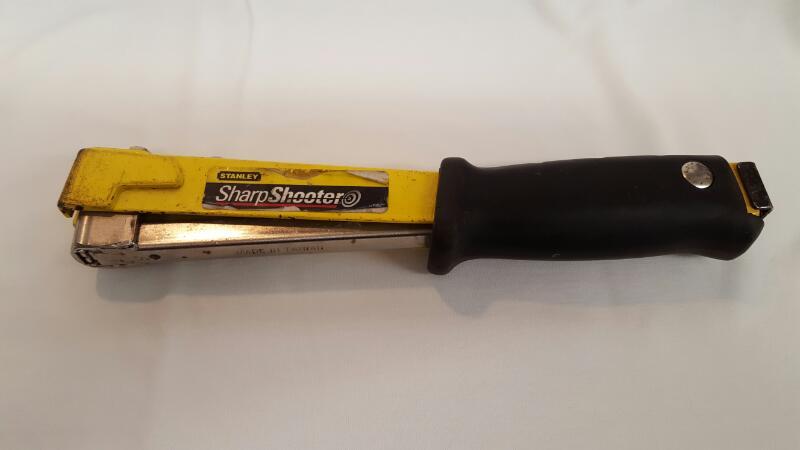 STANLEY SHARPSHOOTER Handheld Stapler