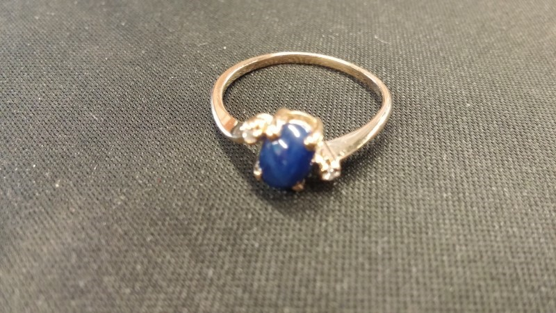 Blue Stone Lady's Stone Ring 10K Yellow Gold 1.2dwt