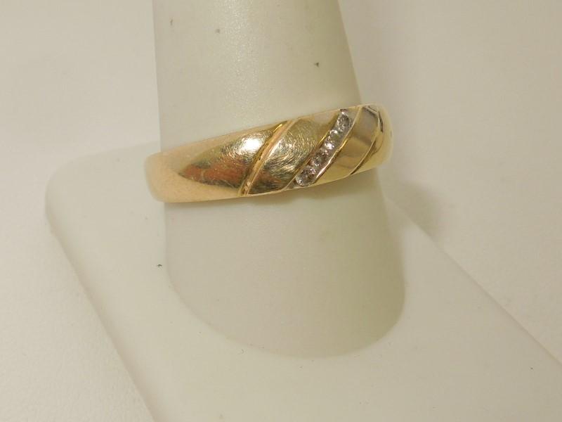 Gent's Gold-Diamond Wedding Band 4 Diamonds .08 Carat T.W. 14K Yellow Gold 5.1g