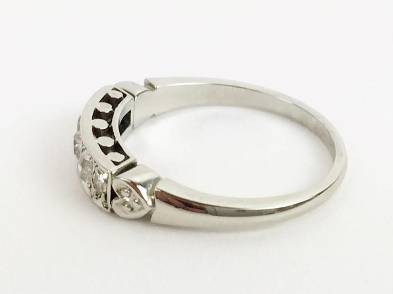VIntage Diamond Ring 5 Diamonds .25 Carat T.W. 771 White Gold 2.8g