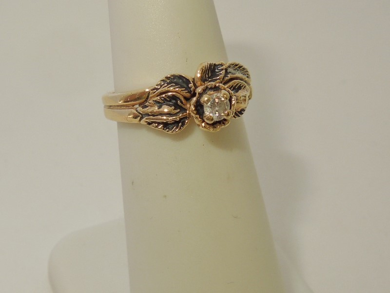 Lady's Diamond Fashion Ring .10 CT. 14K Yellow Gold 4.3g