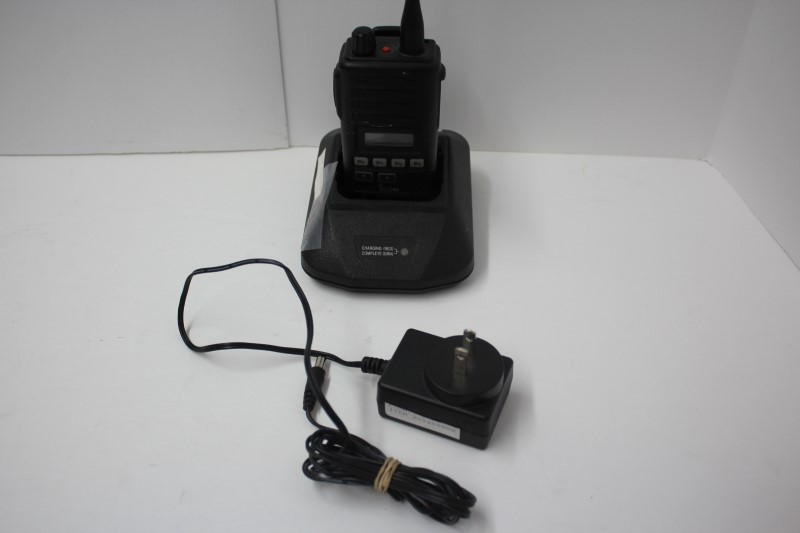 ICOM 2 Way Radio/Walkie Talkie IC-F60