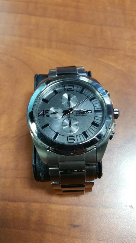 SEIKO Gent's Wristwatch V176-0AA0