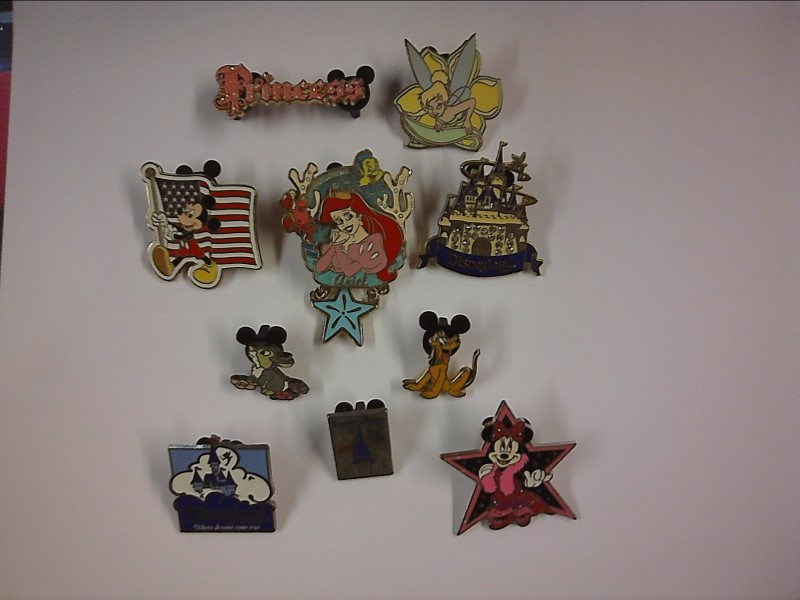 DISNEY COLLECTOR PINS
