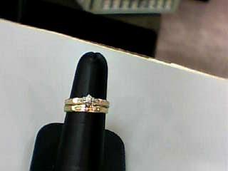 Lady's Diamond Wedding Set .01 CT. 14K Yellow Gold 1.9dwt Size:6.5