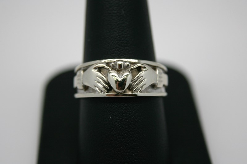 GENT'S CLADDAGH 14K WHITE GOLD RING 9