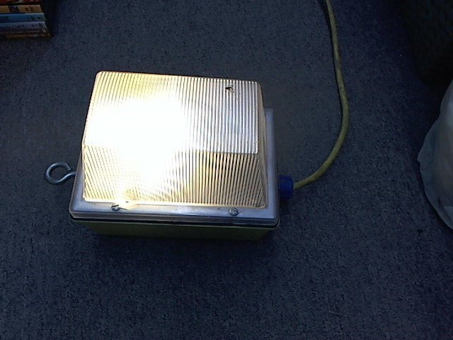 ERICSON SODIUM PORTABLE LAMP NO. 1000
