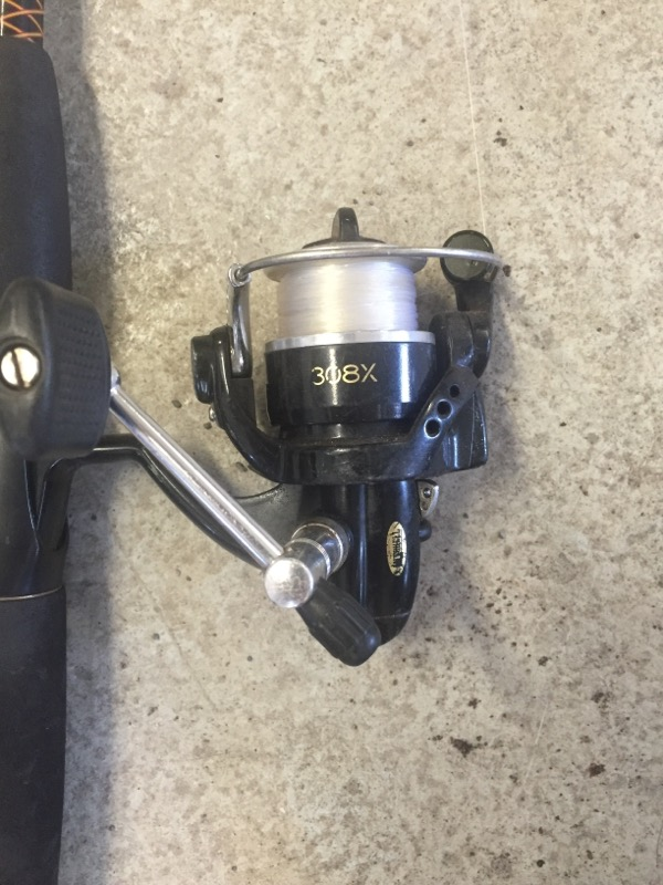 SHAKESPEARE FISHING Fishing Pole UGLY STICK ROD AND REEL COMBO