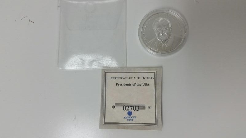 American Mint Franklin D. Roosevelt 32nd President .999 Fine Silver Coin