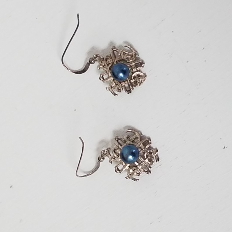 """20"""" SILVER CHAIN W/BLUE PEARL PENDANT AND MATCHING EARRINGS"""