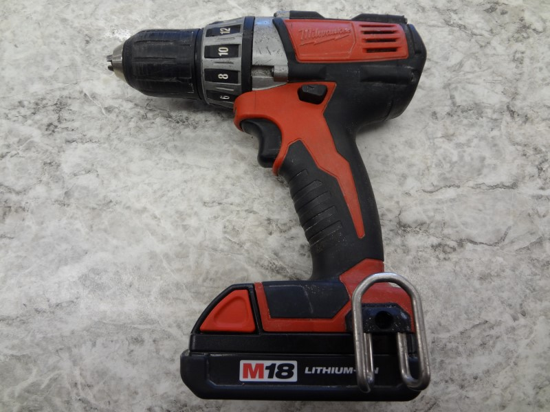 "MILWAUKEE 2601-20 18V CORDLESS LITHIUM-ION 1/2"" COMPACT DRILL/DRIVER*NO CHARGER*"