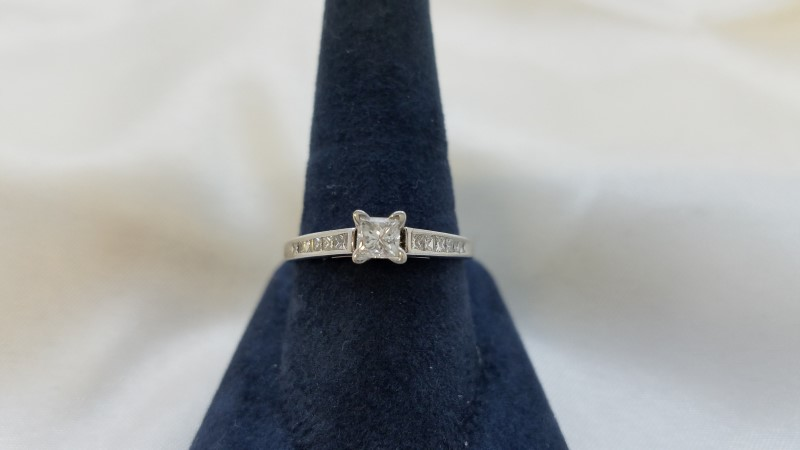 Lady's Diamond Engagement Ring 13 Diamonds .78 Carat T.W. 14K White Gold 0.08g