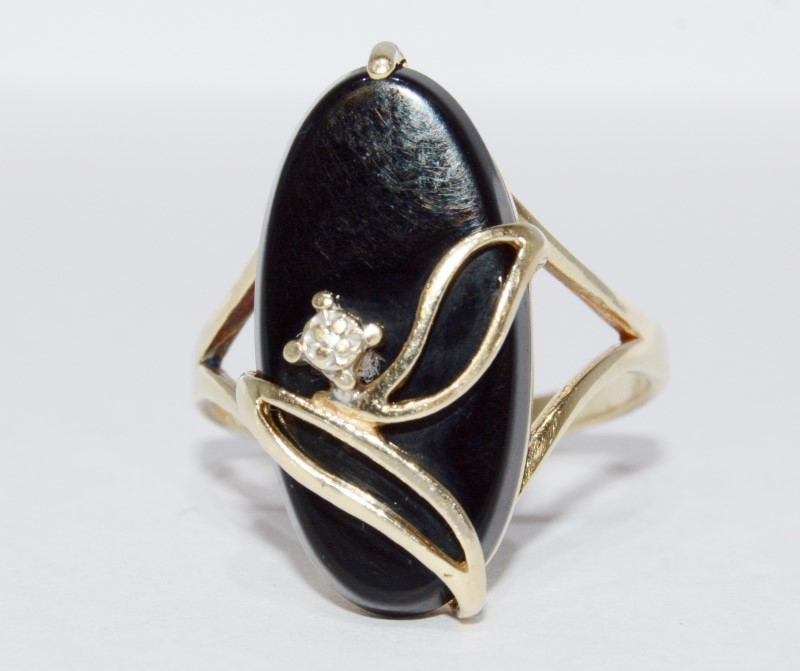 10K Yellow Gold Vintage Inspired Leaf Design Black Onyx & Diamond Cocktail Ring